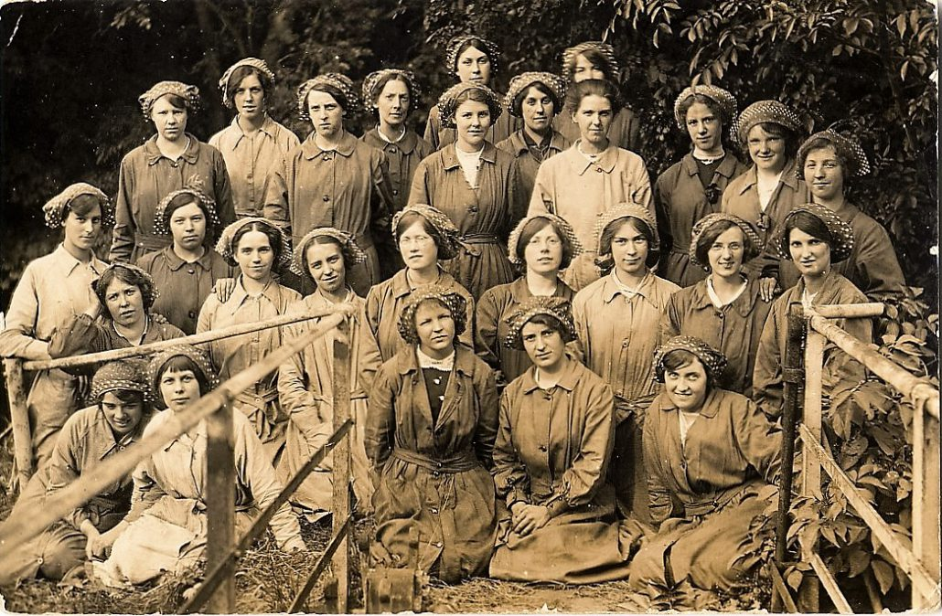 Bourton factory workers 2