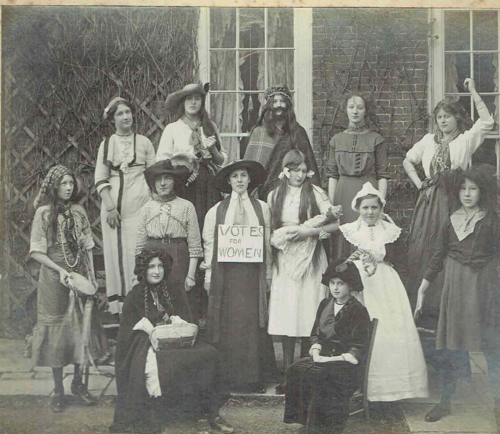 1913 High School women of the world (2)